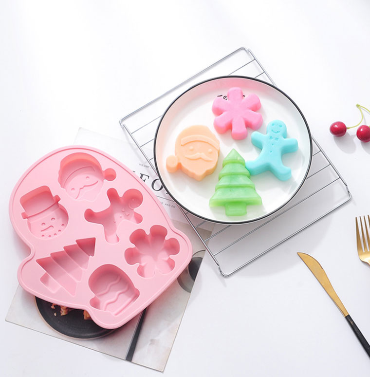 Wholesale  6 cavity Christmas Tree cake Mold Food Grade Silicone DIY  3D Candle Mold