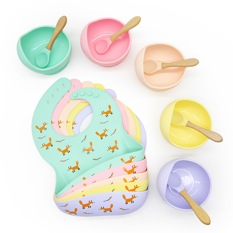 2020 Newest Set of 3 Easy to clean and safe baby  Food Grade silicone bib bowl spoon set