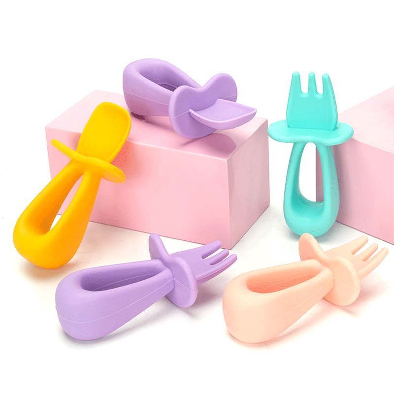 Custom Eco Friendly healthy Feeding Soft Reusable  Silicone Baby Spoon and fork
