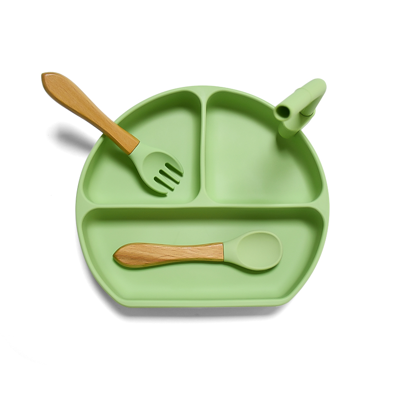 New Arrival Eco-friendly Non-toxic Strong Suction Bowl Spoon Set bpa free silicone baby feeding bowl And Plate