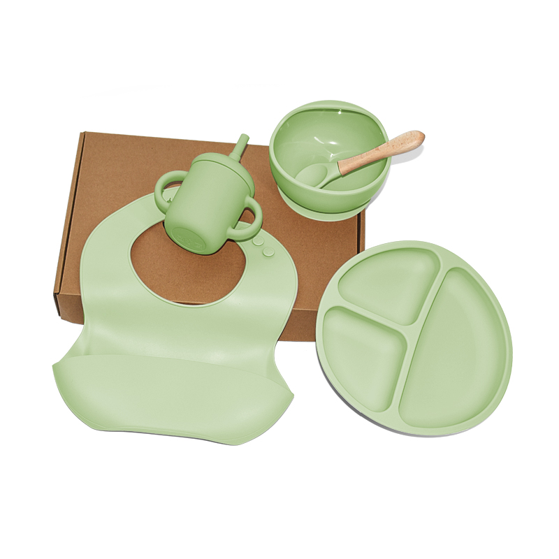 Legenday Eco Friendly Silicone Baby Feeding Supplies Bowl And Bib Set Baby Silicone Suction Bowl With Spoon