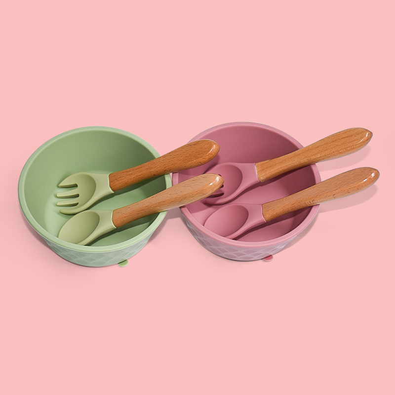 Legenday Wholesale Food Grade Bpa Free Soft Feeding Spoon Suction Silicone Baby Bowl
